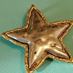 Star brooch pewter and gold tones